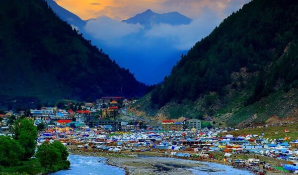 05 Days 4 Nights in Naran Honeymoon Package
